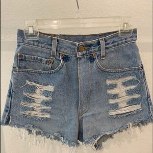 Levi's High Rise Shorts Destroyed wash